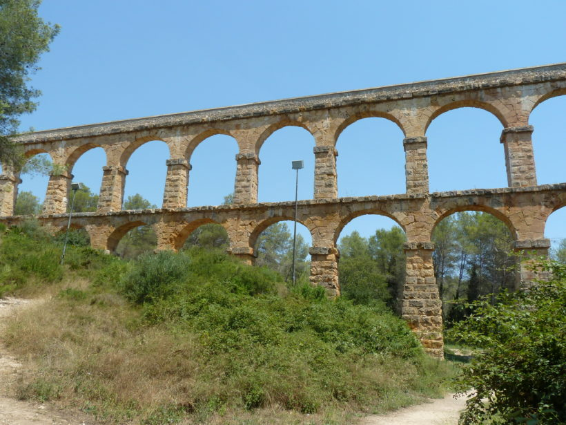 A famours roman bridge to visit in Tarragona